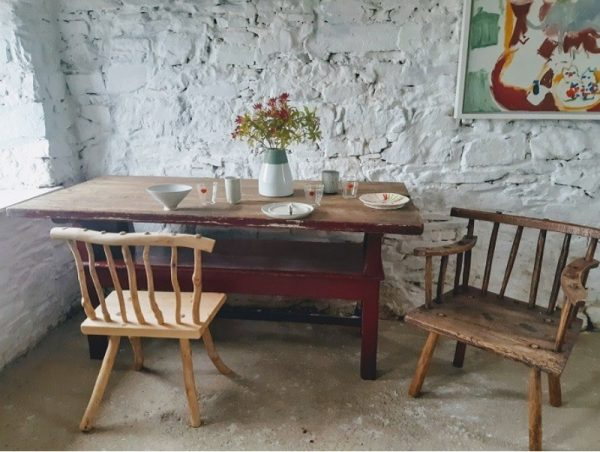 Irish Settle / Table