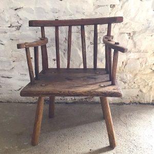 Famine Chair online